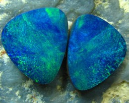 DOUBLET OPAL PAIR 5.00 CT ELECTRIC COLOR PLAY SEE THE VIDEO