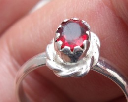 CHERRY OPAL GEMSTONE SILVER FASHION RING SIZE 8
