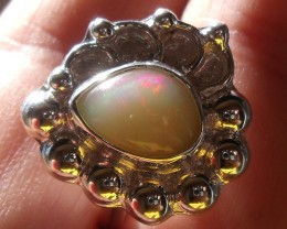 WELO OPAL GEM & SILVER FASHION RING SZ 8