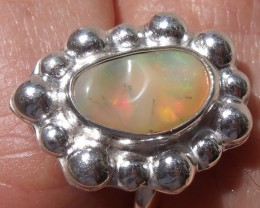 WELO GEM & SILVER FASHION RING Sz 6.5