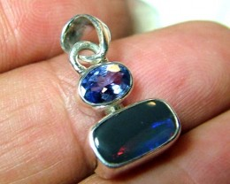 10.5 CTS SOLID OPAL  SILVER PENDANT   OF-123