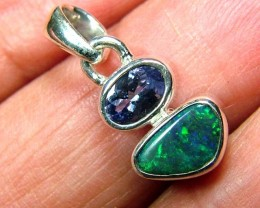 7.5  CTS SOLID OPAL  SILVER PENDANT   OF-133