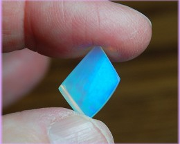 6.50ct ETHIOPIAN WELLO CRYSTAL GEM OPAL PASTEL GREENS BLUES - REDUCED