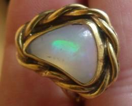 Wello Opal Gem & Gold Plated Ring SZ 8