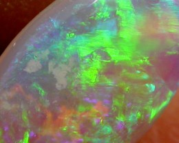1.10 CTS BRIGHT GREEN CRYSTAL FIRE  OPAL    PL40