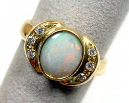 CRYSTAL OPAL 18K GOLD RING WITH 6 DIAMONDS SCO 825
