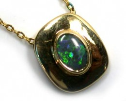 ATTRACTIVE GREEN FIRE GOLD BLACK OPAL PENDANT SCO1015