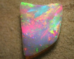 3.91ct ALL COLORS OF THE RAINBOW OPAL PERFECT PENDANT STONE