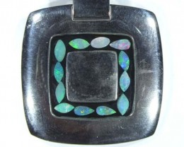 86.50  CTS   INLAY OPAL PENDANT STAINLESS STEEL  OF - 186