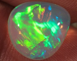 4.73CT EXTREMELY BRIGHT WELO OPAL FULL SATURATION 5/5 FIRE!!