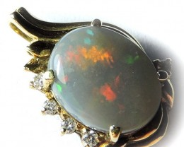 flash  Opal set in 18k Gold Pendant SCO440