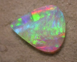 3.61ct FULLY SATURATED NON DIRECTIONAL 2-SID EXTR 3D OPAL