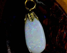 OPAL PENDANT WITH SILVER METAL AND GOLD PLATING  2.8 CTS   OF-506