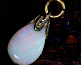 OPAL PENDANT WITH SILVER METAL AND GOLD PLATING 2.1 CTS   OF-507