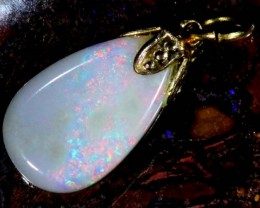 OPAL PENDANT WITH SILVER METAL AND GOLD PLATING  2.6 CTS   OF-510