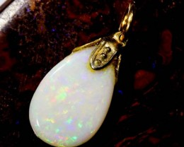 OPAL PENDANT WITH SILVER METAL AND GOLD PLATING 2.5 CTS   OF-514