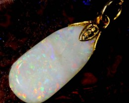 OPAL PENDANT WITH SILVER METAL AND GOLD PLATING 3.3 CTS   OF-515