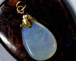 OPAL PENDANT WITH SILVER METAL AND GOLD PLATING  5.1CTS   OF-519
