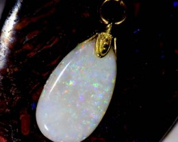 OPAL PENDANT WITH SILVER METAL AND GOLD PLATING 3.4 CTS   OF-523