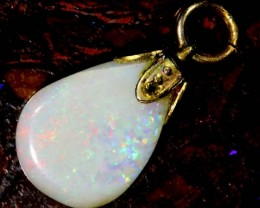 OPAL PENDANT WITH SILVER METAL AND GOLD PLATING  2.7 CTS   OF-525