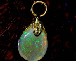 OPAL PENDANT WITH SILVER METAL AND GOLD PLATING  2.2 CTS   OF-535