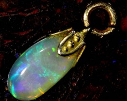 OPAL PENDANT WITH SILVER METAL AND GOLD PLATING 1.8 CTS   OF-536
