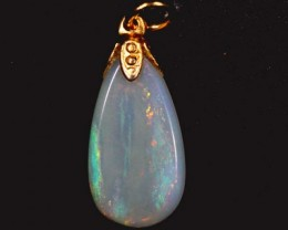 OPAL PENDANT WITH SILVER METAL AND GOLD PLATING 3.2 CTS   OF-576