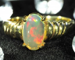 CRYSTAL OPAL RING SIZE 8   18 K  GOLD   CK 265