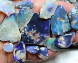 820 CTS BLACK OPAL ROUGH - RUB  PARCEL