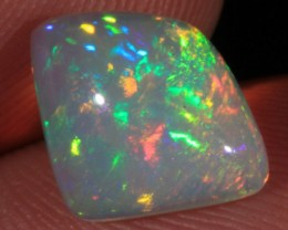 2.33CT~VERY BRIGHT WELO OPAL CAB~FLASH/MIXED PATTERN
