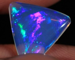 2.69CT~VERY BRIGHT ETHIOPIAN WELO OPAL CAB~LAVENDER BASE