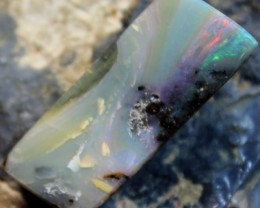 28.5 CTS BOULDER OPAL POLISHED STONE WITH BRIGHT RED AND GREEN FLASH C8667