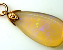OPAL PENDANT WITH SILVER METAL AND GOLD PLATING 4.8 CTS   OF-1012