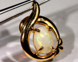 WHITE OPAL PENDANT WITH SILVER METAL AND GOLD PLATING 6.85 CTS   OF-1040