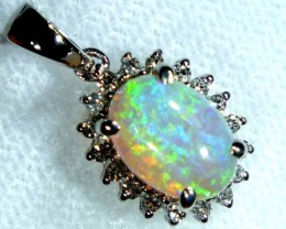 CRYSTAL  OPAL PENDANT WITH 18 K GOLD 7.45  CTS   GC