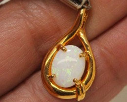 WHITE OPAL PENDANT WITH SILVER METAL AND GOLD PLATING 6.20 CTS  OF-1046