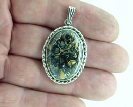 Koroit Boulder Matrix pendant, Bezel set in sterling silver.