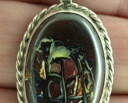 Koroit Boulder Matrix pendant 45ct, Bezel set in sterling silver.