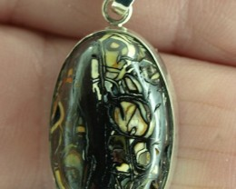 Koroit Boulder Matrix pendant 23ct, Bezel set in sterling silver.