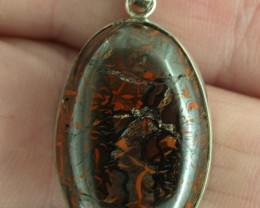 Koroit Boulder Matrix pendant 30ct, Bezel set in sterling silver.