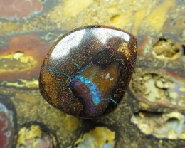 C/O 15cts,WE ARE NOW MINNING BOULDER OPAL.