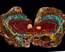 Cleopatra and Mark Anthony kissing Opal specimen  BU 402