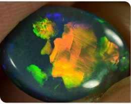 Semi Black Opal - ID:20537 Red/gold rolling flash pattern