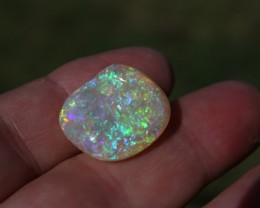 Stunning 25.5 Carat Complete Gem Crystal Clam Coober Pedy