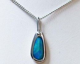 Doublet Opal set in hand made silver Pendant 192251