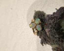 18K yellow Gold Crystal opal ring 1.4 CT