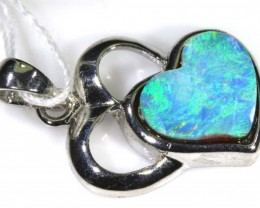DOUBLET OPAL PENDANT WITH SILVER BALE 8.50 CTS OF-1547