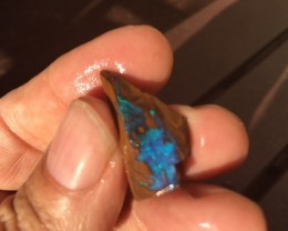 10Cts Boulder Opal Rough faced  me318