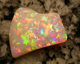 8.66ct EXTREEM BRIGHT BEST OF BEST BRAZILIAN OPAL