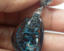 38.55 CT UNIQUE PATTERN KOROIT BOULDER OPAL WITH SILVER PENDANT SS0730